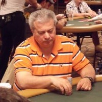 Archie Karas playing poker - he allagedly defeated professional gamblers with the use of angle shooting techniques