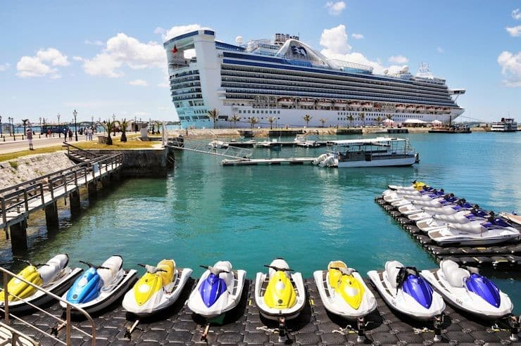 Casino gambling is not permitted on Bermuda