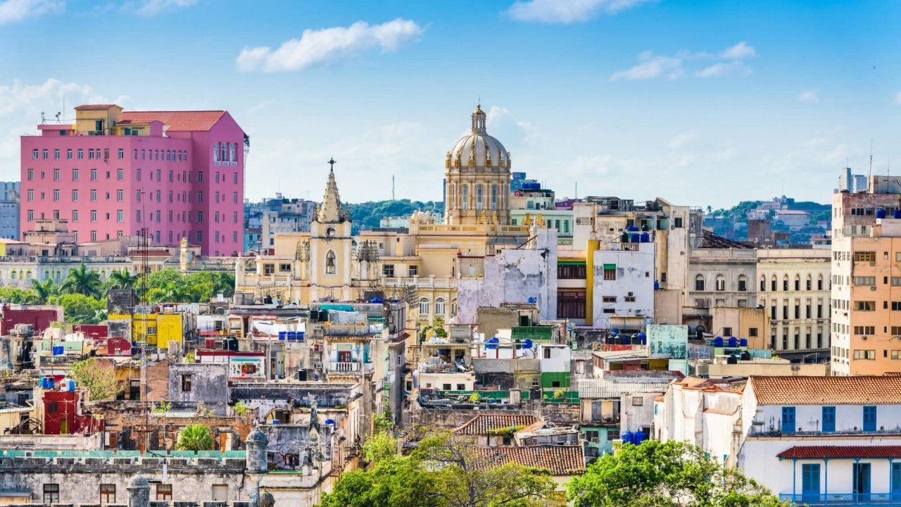 This is a picture of the skyline of Havana, capital of the Republic of Cuba. On this page you can read about the legal status of gambling, online gambling, poker, bingo, lottery, sports betting and casino & bitcoin gambling in Cuba.