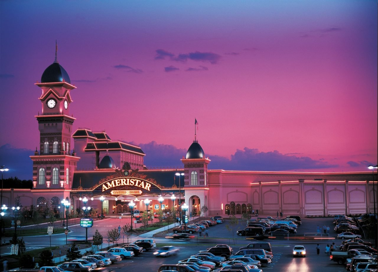 This is a picture of Ameristar Casino Hotel Kansas City, Missouri, the 5th biggest casino complex in mainland USA (and 6th with insular territories included). On this page, below the picture you can read about the brick & mortar casinos, TOP, best, biggest casinos in all 50 of the US sate (Alabama, Alaska, Arizona, Arkansas, California, Colorado, Connecticut, Delaware, Florida, Georgia, Hawaii, Idaho, Illinois, Indiana, Iowa, Kansas, Kentucky, Louisiana, Maine, Maryland, Massachusetts, Michigan, Minnesota, Mississippi, Missouri, Montana, Nebraska, Nevada, New Hampshire, New Jersey, New Mexico, New York, North Carolina, North Dakota, Ohio, Oklahoma, Oregon, Pennsylvania, Rhode Island, South Carolina, South Dakota, Tennessee, Texas, Utah, Vermont, Virginia, Washington, West Virginia, Wisconsin, Wyoming) and 5 territories (American Samoa, Guam, Northern Mariana Islands, Puerto Rico, US Virgin Islands), and it includes a list of online casinos licensed, registered and accepting players from the United States of America.