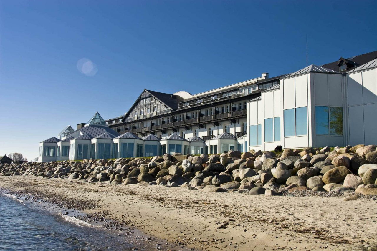 This is a picture of the Danish Casino and Strandhotel Marienlyst in Helsingør. Under the picture you can read about the laws, regualtions, rules governing the various forms of gambling and online gambling in Denmark.