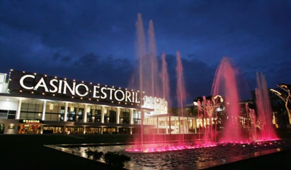 A picture of a casino in Estoril, just outside Lisbon. This is the header image of my guide about gambling, casinos and poker in Portugal.