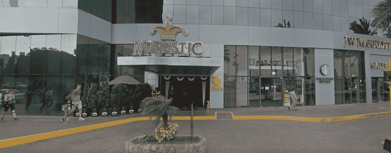 This is a picture of the front entrance of Majestic Casino in Miraflores. On this page you can read about the legislation, rules, licensing, taxation of the various forms of games of chance and online gambling in the Republic of Peru, including: poker, bingo, lottery, sports betting, cryptocurrency wagering, and a list of online gambling sites which accept players from Peru.