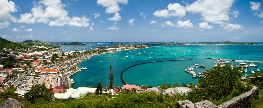 A scenery from St. Maarten - an illustration to my St. Maarten casinos and gambling guide.