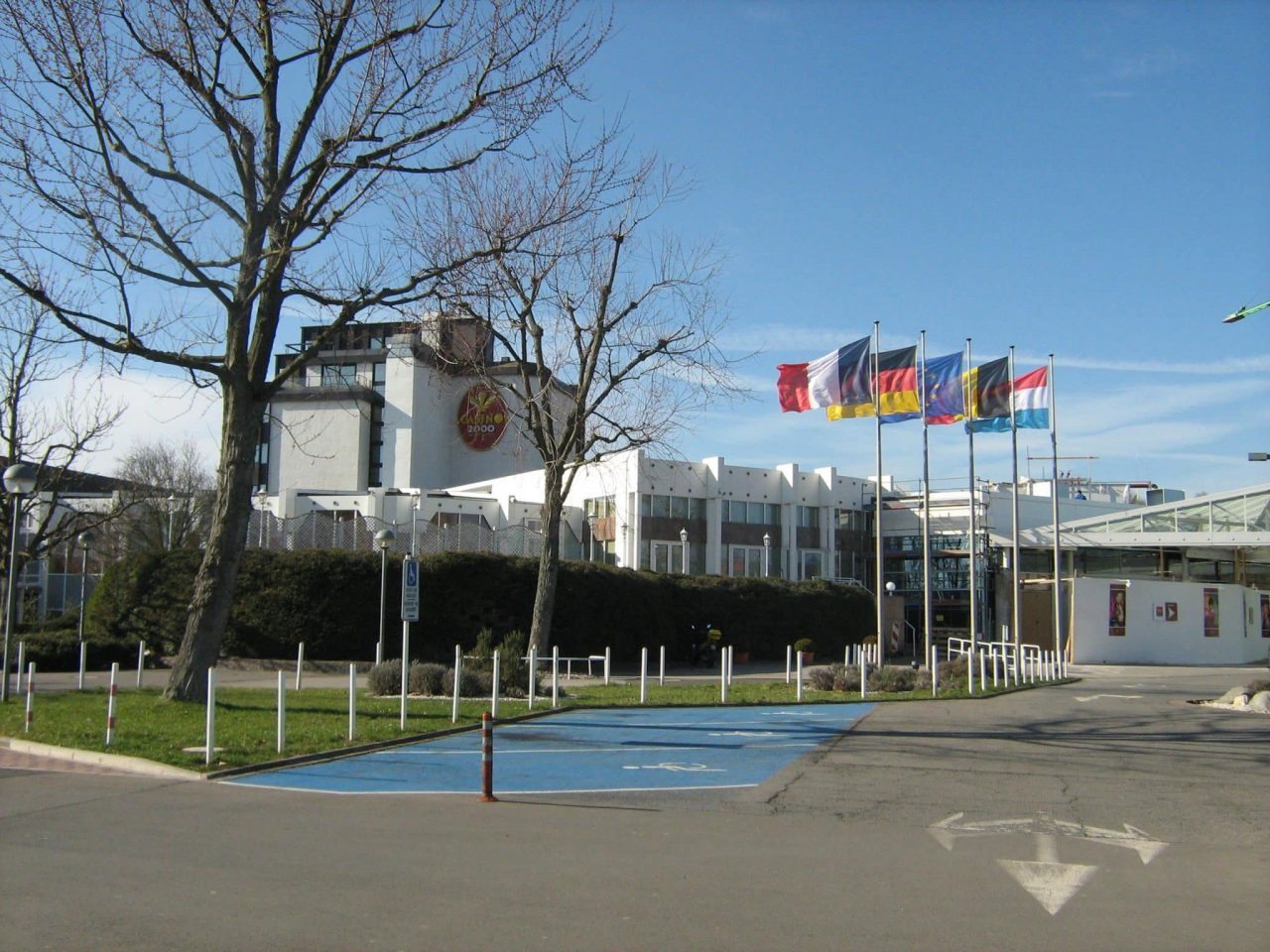 This is a picture of Casino 2000, Luxembourg's only licensed brick and mortar casino. You can read about the laws of online gambling, bitcoin gambling, sports betting, lottery, poker, bingo in Luxembourg under the picture.