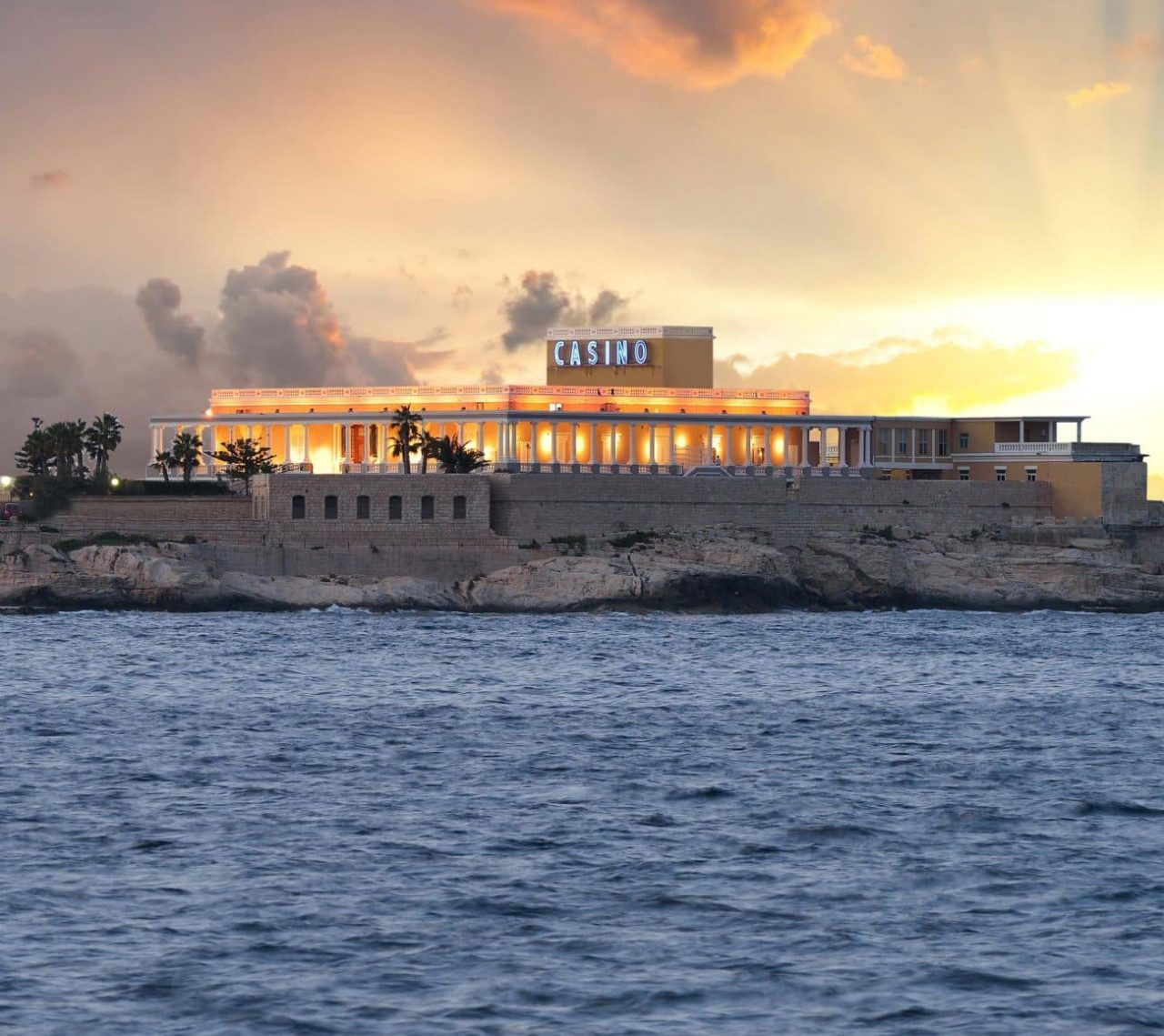 This is a picture of Dragonara Casino. Malta's most famous and picturesque gambling establishment. Under the picture, on this page you can read about gambling, sports betting, lottery, bingo, keno, laws and regulations in Malta.