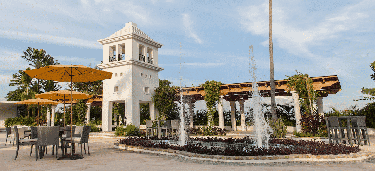 This is a picture of El Rancho Casino, the biggest casino in the Republic of Haiti. On this page you can read about the gambling, internet wagering legislation and, taxation of various forms of games of chance, including: poker, bingo, sports betting, lottery, cryptocurrency wagering and you can find a list of licensed online gambling websites, which accept player from Haiti.