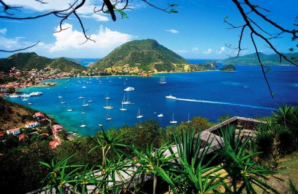 Picture of a port in Guadeloupe. French laws apply to gambling in Guadeloupe.