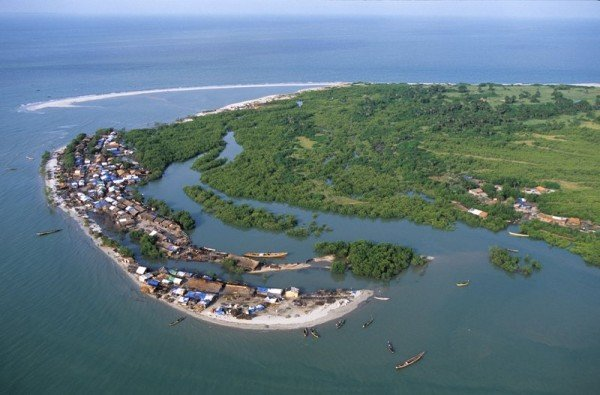 Picture of a village of Guinea-Bissau. There is no reliable information about gambling's legal status in the country.