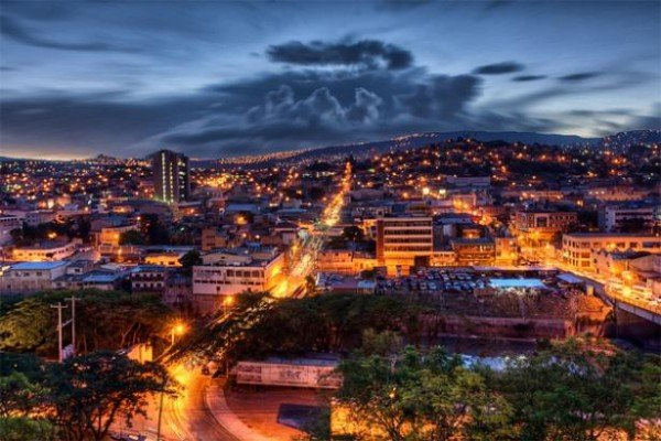 Picture of Honduras' capital city, Tegucigalpa. Gambling is legal and regulated in the country, however, online gambling is not yet regulated.