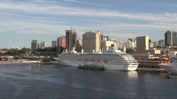This is a picture of a cruise ship moored in the port of Rio de Janeiro. On this page you can find a list of licensed legally operating online casino sites, which accept players from Brazil.