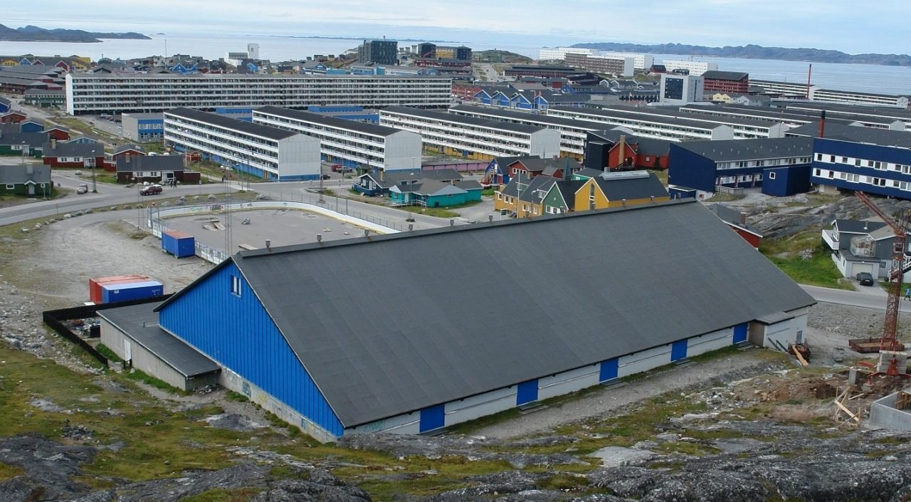 This is a picture of Godthåbhallen, in Nuuk, the capital of Greenland.,where bingo games are often organized, and it is the closest thing Greenland has to a casino On this page you can read about casino gambling legislation, licensing, taxation, a list of brick c mortar casinos in Greenland, as well as Greenland licensed online casinos accepting players from the country.