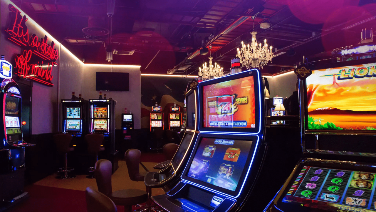 This is a picture of slots inside Feel Vegas Casino Sello, one of the Feel Vegas brand casinos in Finland. Under the picture you will find a list of the casinos of Finland, Finnish online casino websites and an overview of the casino gambling law in the country.