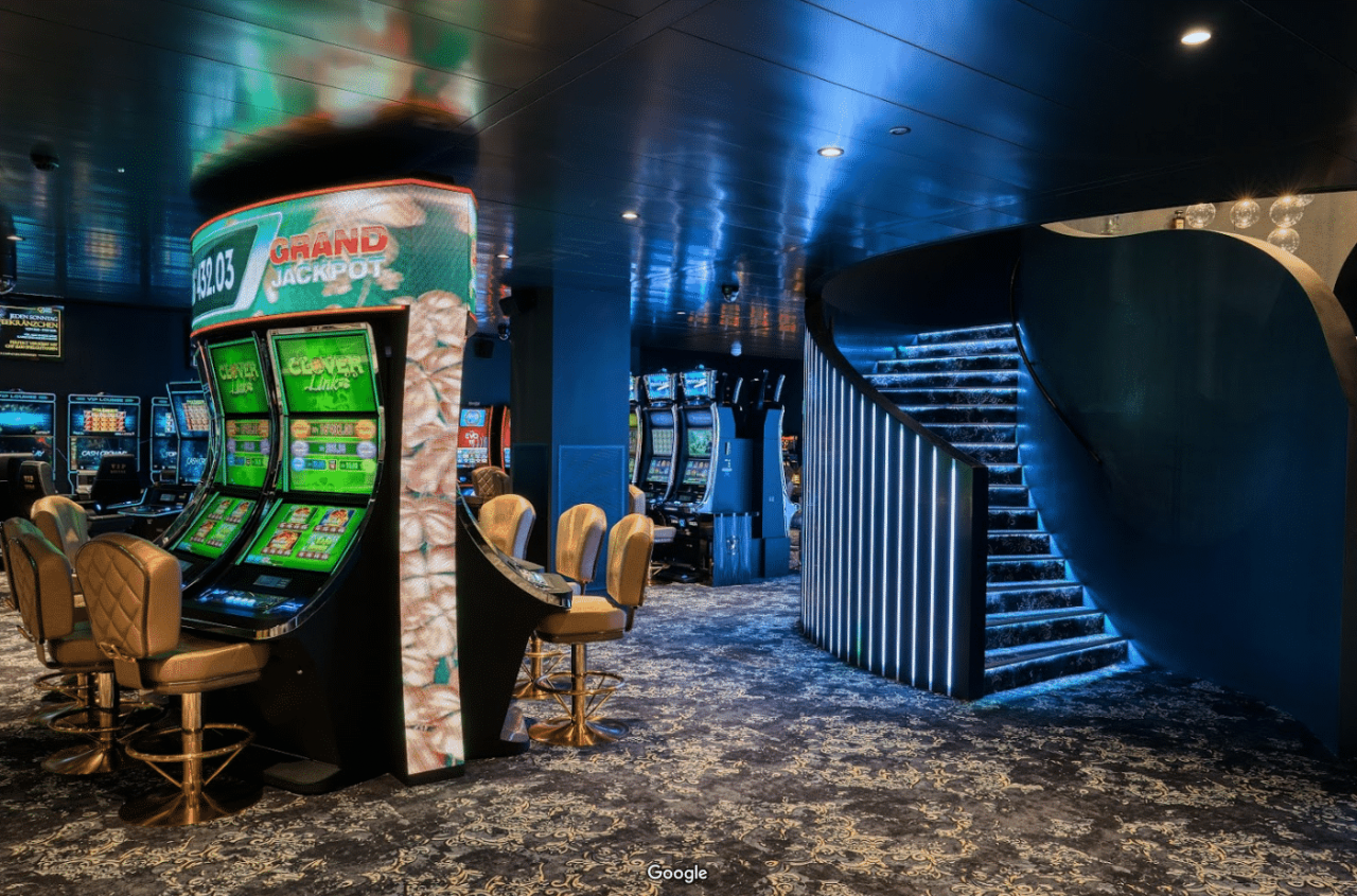 This is a photo of the interior of the Grand Casino Liechtenstein. Under the picture you can read more about casino gambling in Liechtenstein, digital casinos and bitcoin casinos. Additionally you can find a list of land-based casinos in Liechtenstein.