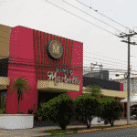 This is a picture of the front entrance of Marbella Bingo in El Salvador. To the right of the picture you can read more about this casino.