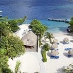 This is a picture of the private beach of Dreams Curaçao Resort Spa & Casino. To the right of the picture you can read more about this casino.