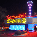 This is a picture of Fantastic Casino Dorado, a slot hall in Panama City. This is the last element of this list of the TOP 5 gambling establishments in Panama. You can find the other electronic casinos, slot parlours on this list above this one. To the right of the picture you can read more about this Panamanian slot hall.