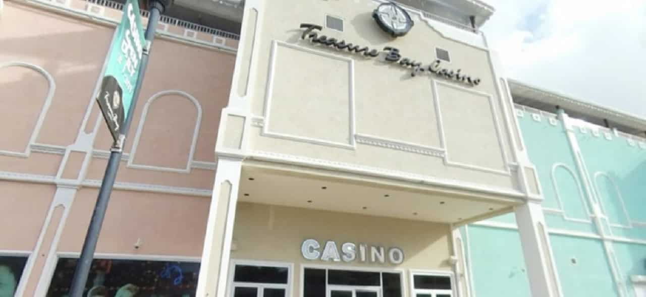 This is a picture of the building and front entrance of the Treasure Bay Casino, the first and so far only casino in Sainte-Lucie. On this page you can read about the taxation, legislation, licensing of casino gambling on the island, and you can find a list of licensed casino gambling establishments, slot halls and online casinos, which accept players from Saint Lucia.