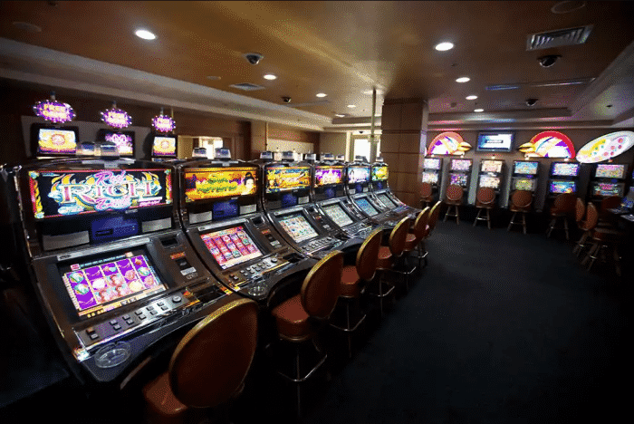 Simon's Guide to Land-based and Online Casinos in Nigeria