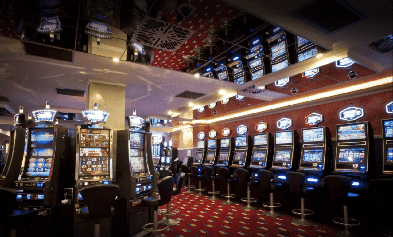 This is a photo of the interior of Giochi del Titano S.P.A. casino in San Marino. Under the picture you can find a list of all the San Marino casinos ,read more about online casinos, Sammarinese casino licensing system and tax rates.